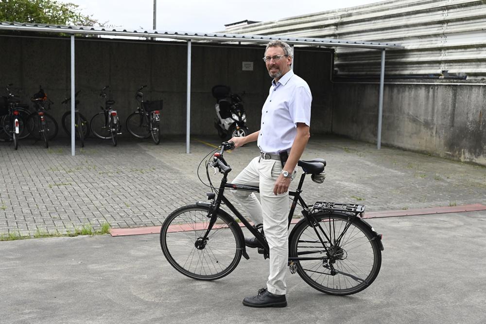 Mit dem Rad zur Arbeit: Peters schafft Platz